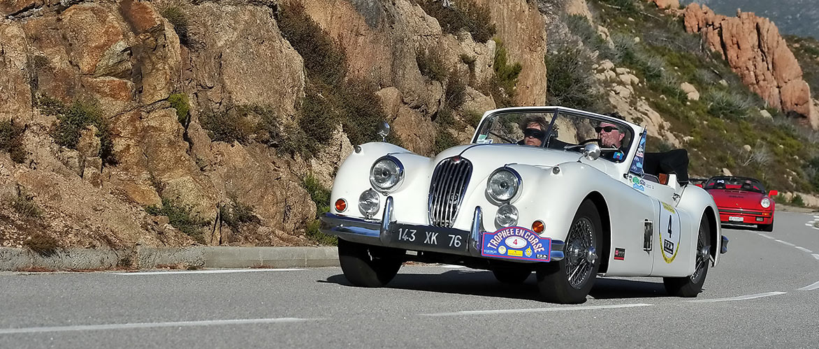 https://www.rallystory.com/sites/default/files/revslider/image/bg_slider_trophee_en_corse2018_jaguar_xk.jpg