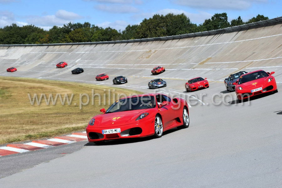 3. Rendez-Vous Ferrari